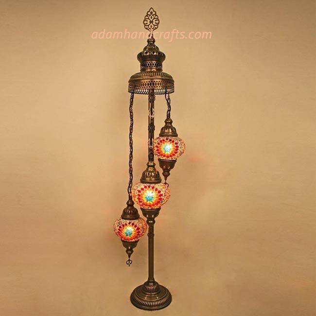 banner-4-floor-lamp